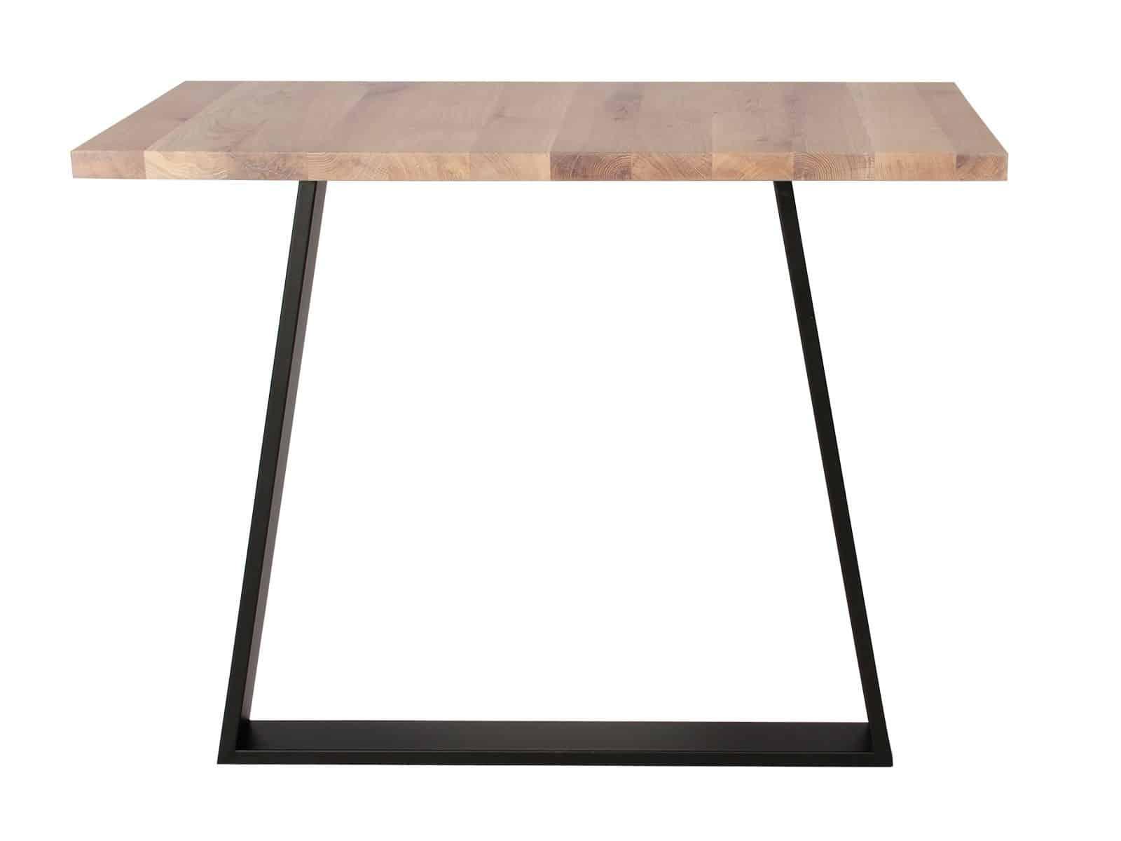 Trapez stel sat på lyst plankebord