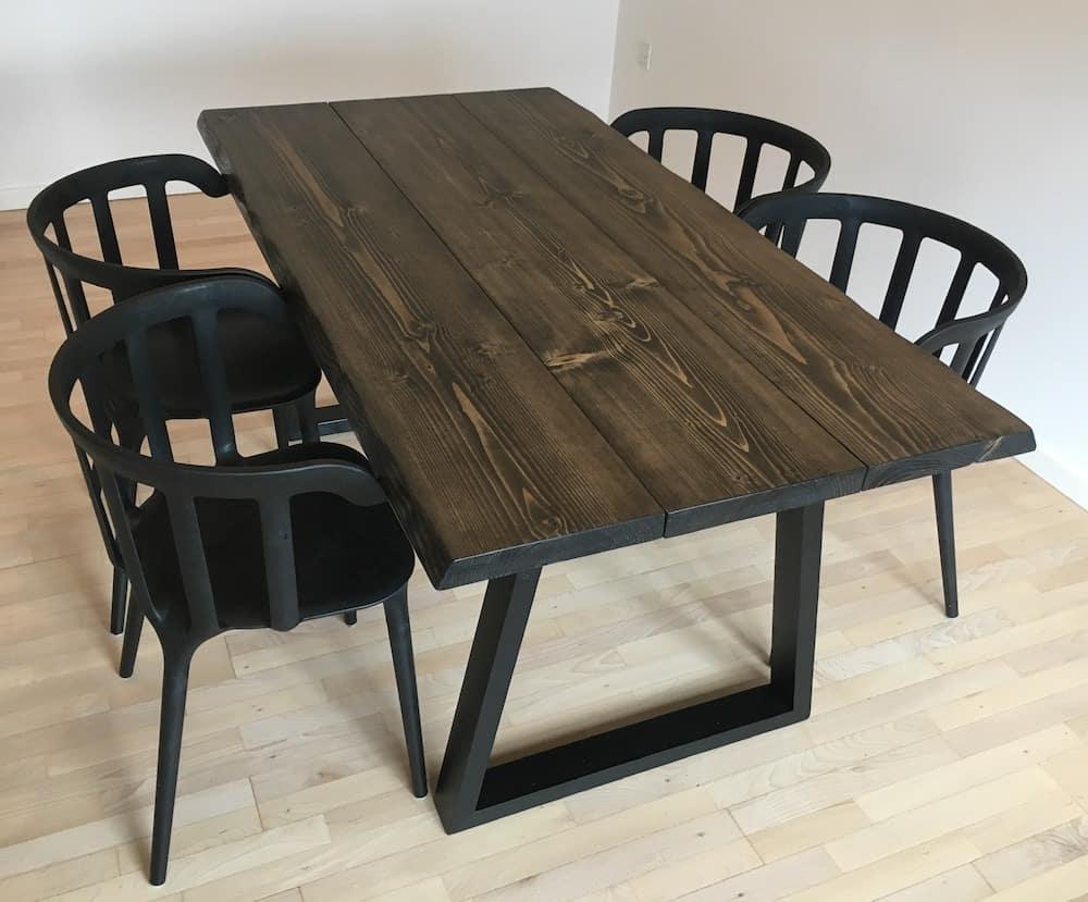 """alt=""""plankebord fyrretræ trapez træ sort"""""""
