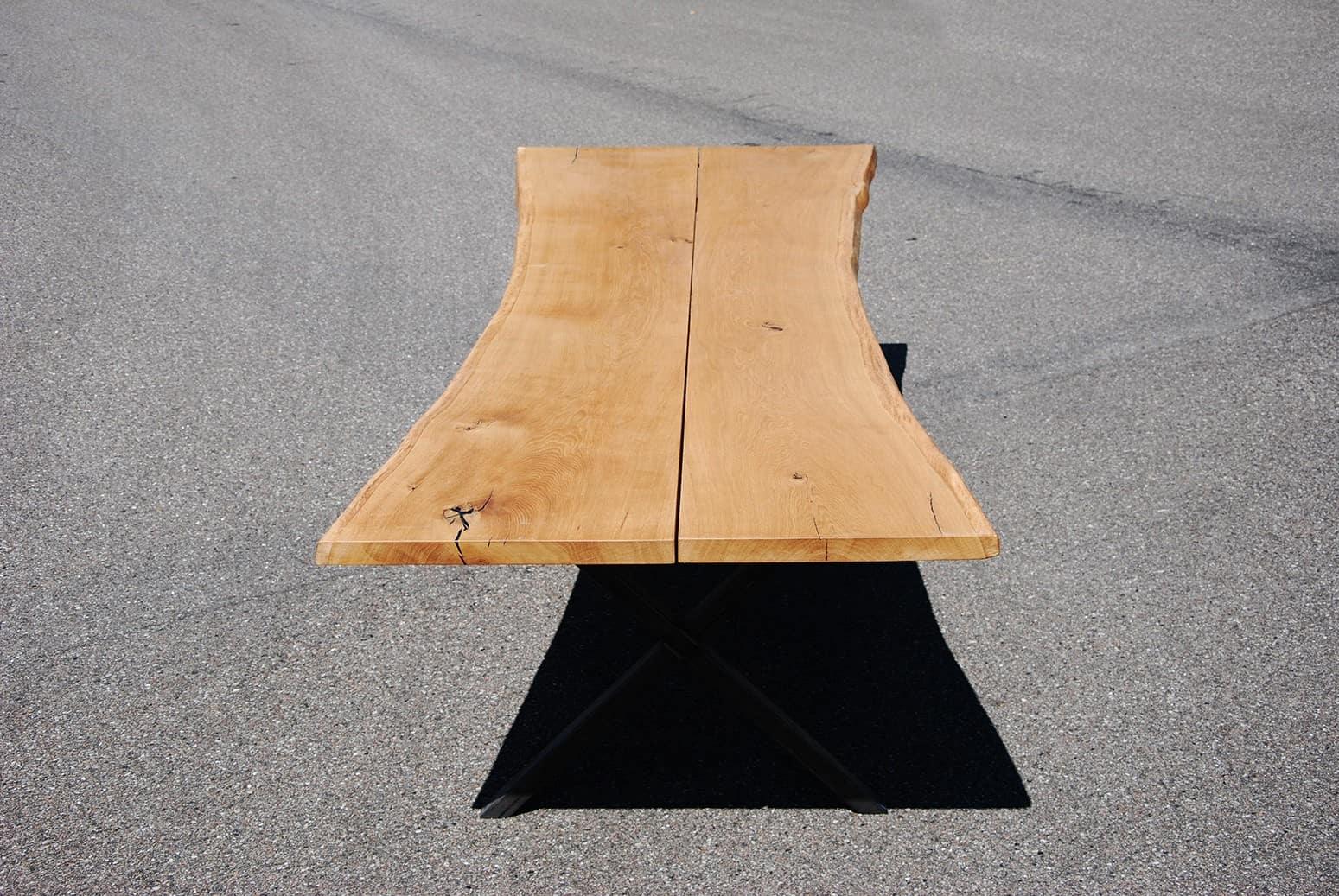 Langt bord i egetræ