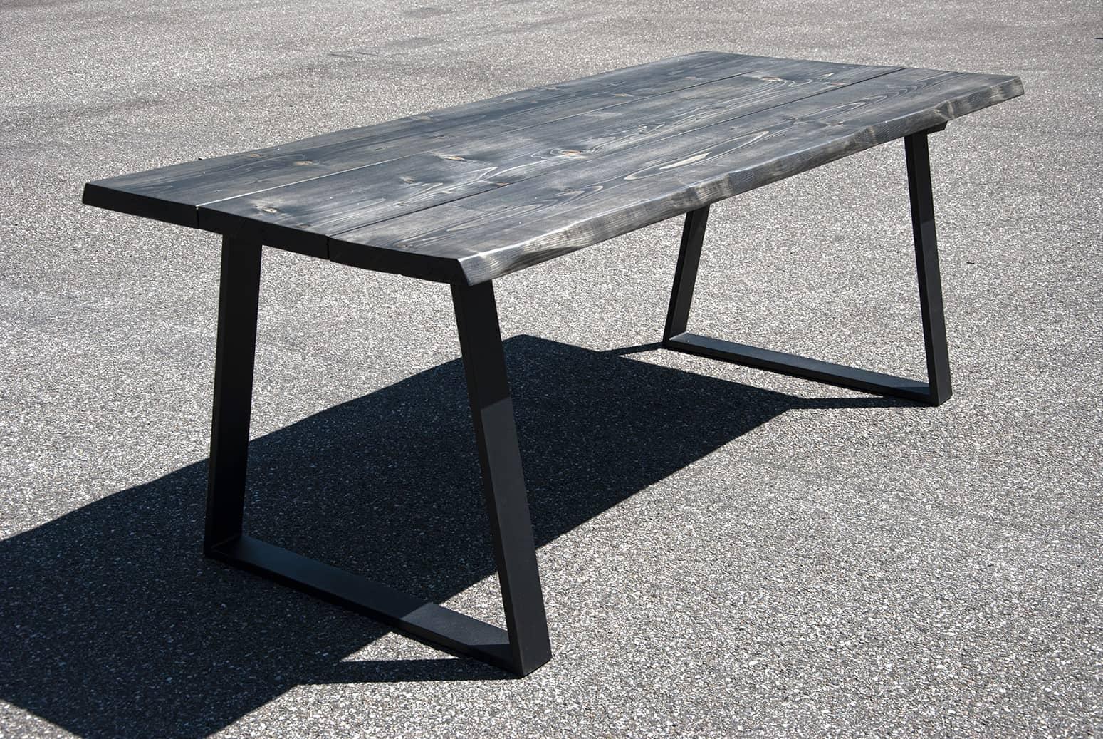 Mørkt plankebord
